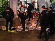 Российские полицейские растоптали мемориал у посольства Беларуси. ФОТО