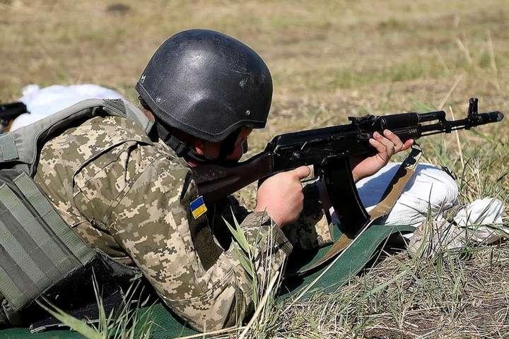 На Донбасі під час виконання бойового завдання загинув військовий