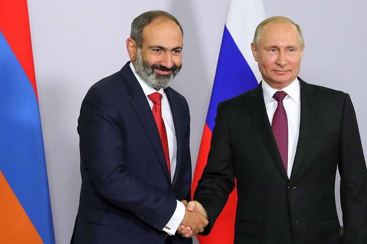 Конфлікт в Нагірному Карабасі. Прем'єр-міністр Вірменії порадився з Путіним