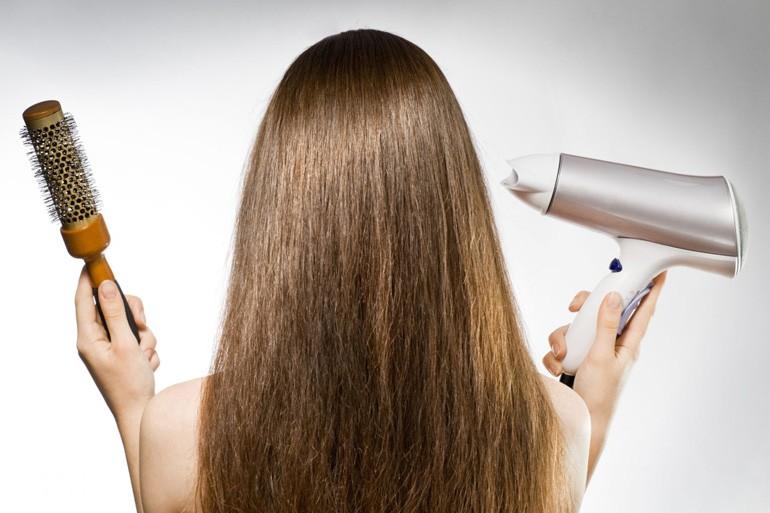 Главные ошибки при сушке волос феном: несколько важных фактов