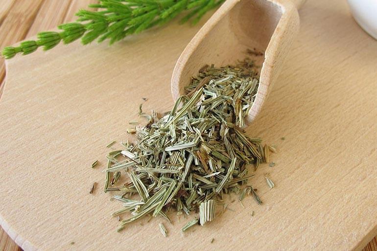 Эффективные травяные сборы, которые помогают избавиться от цистита