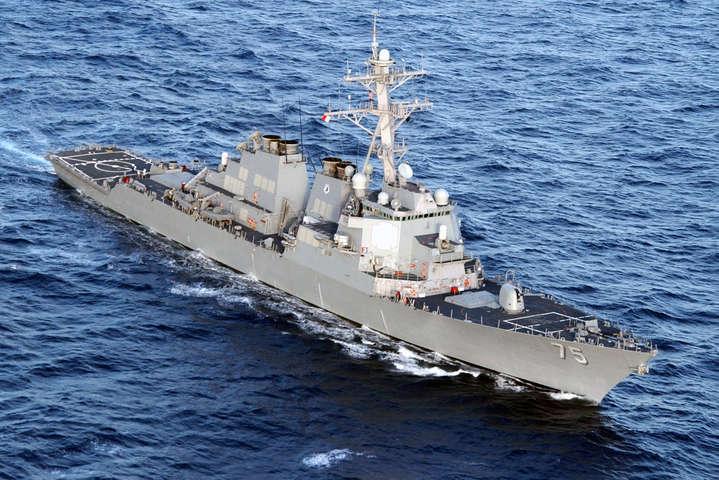 Американський есмінець зайшов в акваторію Чорного моря