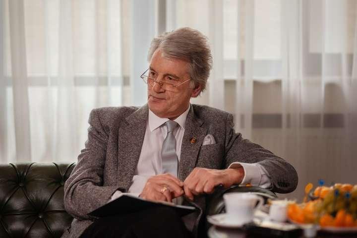 Ющенко у свій день народження згадав Путіна та жителів Донбасу
