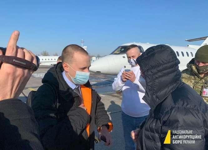 Тікав від коронавірусу. Банкір Коломойського пояснив, чому летів персональним чартером з України