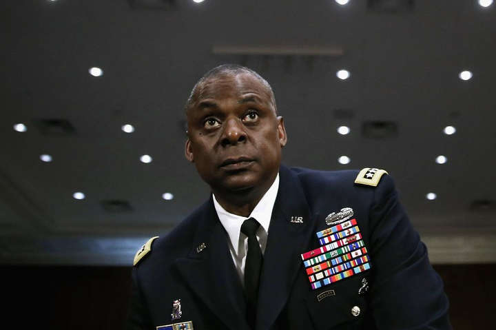 Глава Пентагону пообіцяв відповісти на обстріл американської бази в Іраку