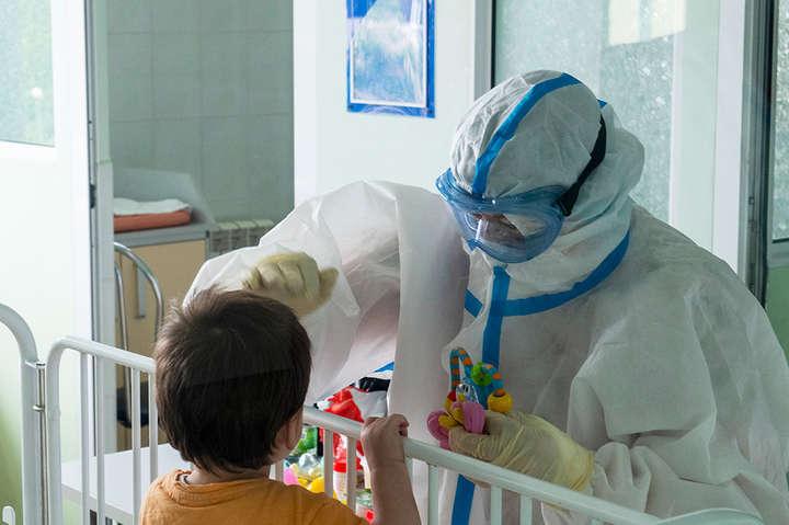 Коронавірус маскується: чернівецький лікар розповів про зміну симптомів у дітей