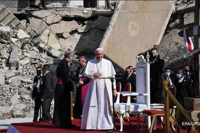 Папа Римський відвідав колишню «столицю» ІДІЛ в Іраку (фото)