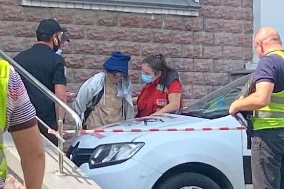 Суд заарештував жінку, що скоїла розбійний напад на банк у Києві