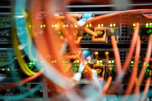 У світі стався масштабний збій: «лягли» сайти великих авіакомпаній, банків та ЗМІ