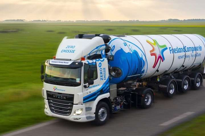 У Нідерландах з'явився перший в світі водневий молоковоз