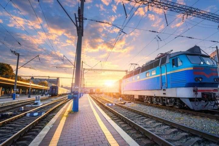 «Укрзалізниця» попереджає про затримку поїздів