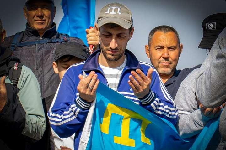 «Бігти я не буду, вбивайте мене тут». Кримський татарин розповів, як його катувало ФСБ